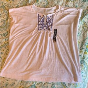 *NWT* Gap Factory Tie-Front Embroidered Top